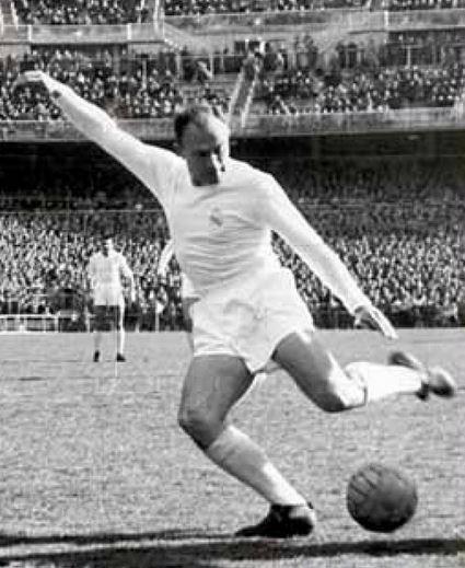 Alfredo di Stefano sous le maillot du Real Madrid
